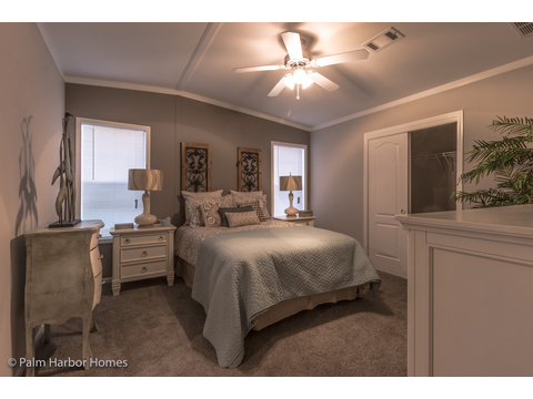 Master bedroom - Siesta Key II P2566Q by Palm Harbor Homes