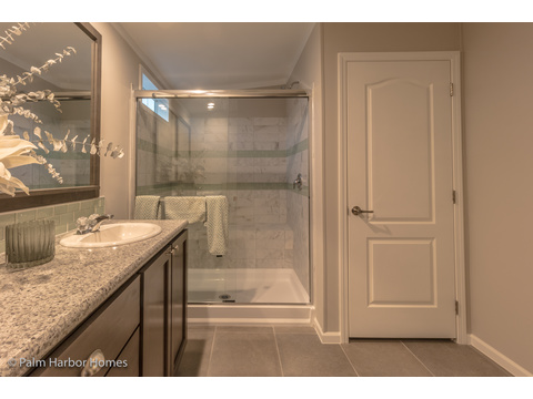 Master bath - Siesta Key II by Palm Harbor Homes