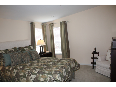 Spacious master bedroom - The Mt. Bachelor 5V348D6, Palm Harbor Homes