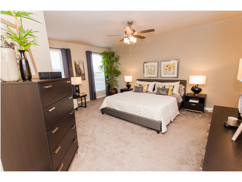 Master bedroom - The Mt. Shasta 5V465A4 manufactured home by Palm Harbor Homes