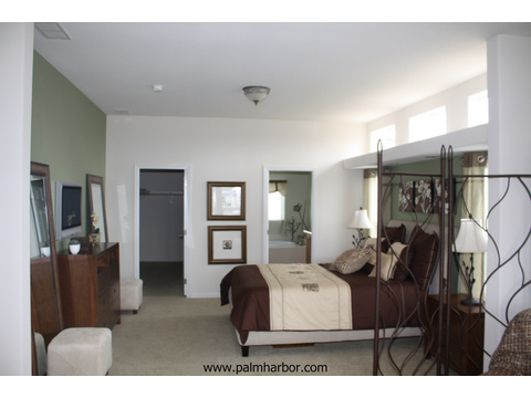 Master bedroom - The Timberridge 5V460T5, Palm Harbor Homes