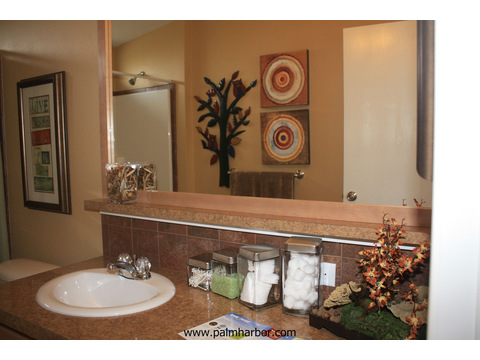 The Bay View I by Palm Harbor Homes - Second bathroom