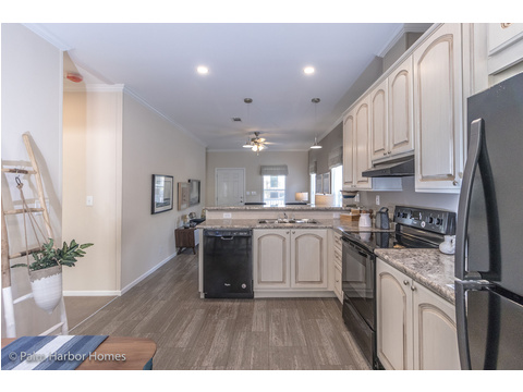 Kitchen - Buena Vista by Palm Harbor Homes, 2 Bedrooms, 2 Baths, 1,109 Sq. Ft.