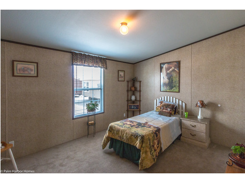 Spacious secondary bedrooms in the Momentum III double wide manufactured home by Palm Harbor Homes 4 Bedrooms, 2 Baths, 1,860 Sq. Ft.