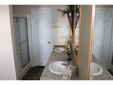 Large walk-in shower in the master bath of the Grand Cypress manufactured home featuring 3 Bedrooms, 2 Baths, 1178 Sq. Ft. - www.palmharbor.com