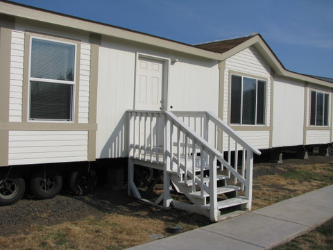 Exterior of the Mountain View III manufactured home with 3 Bedrooms, 2 Baths, 1908 Sq. Ft.