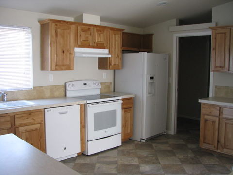 The kitchen in the Mountain View III manufactured home with 3 Bedrooms, 2 Baths, 1908 Sq. Ft.
