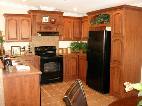 "The Cumberland ""Center of the Universe"" Kitchen - Palm Harbor Homes"