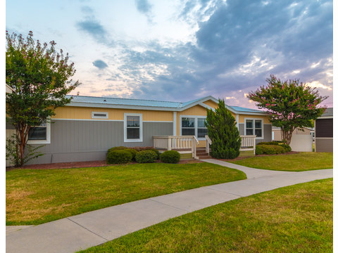 The Benbrook KHT464F2 by Palm Harbor Homes