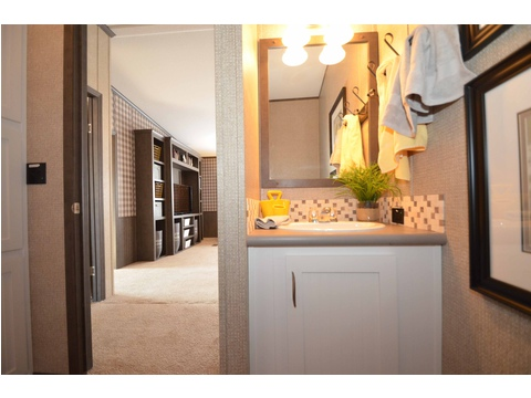 Second bathroom in this home - The Benbrook KHT364F2 by Palm Harbor Homes