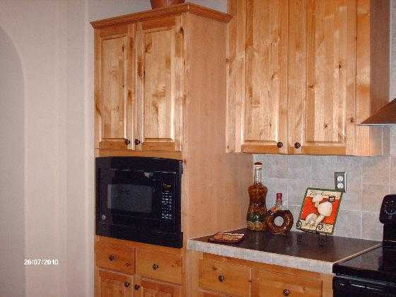 La Linda Knotty Pine Cabinets | Mesquite, Texas Home Photos