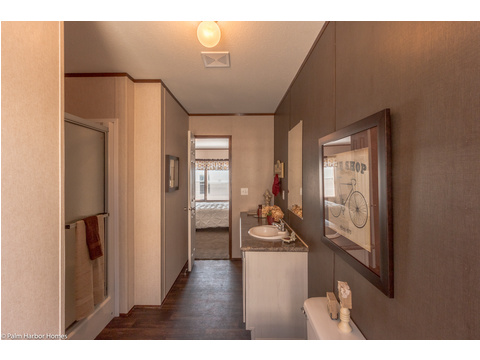 Master bath - The Velocity 44 VE32443V