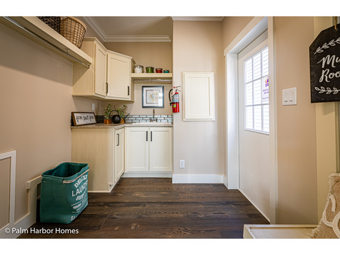 Laundry room in the Estate Farmhouse LS30764A 3 Bedrooms, 2 Baths, 2,280 Sq. Ft. – By Palm Harbor Homes – Available in Florida ONLY – Not Alabama, Georgia or Mississippi.