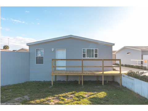 The Monet II model manufactured home with 3 Bedrooms, 2 Baths, 1,173 Sq. Ft.  - 26.8' x 44' - in Florida.
