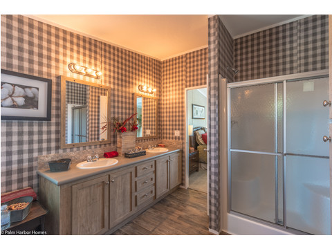 Who doesn't love a great big walk-in shower at the beginning - - or the end -- of a long day? Heritage Home III TLP360A5, 3 Bedrooms, 2 Baths, 1,640 Sq. Ft. - a manufactured home by Palm Harbor Homes.