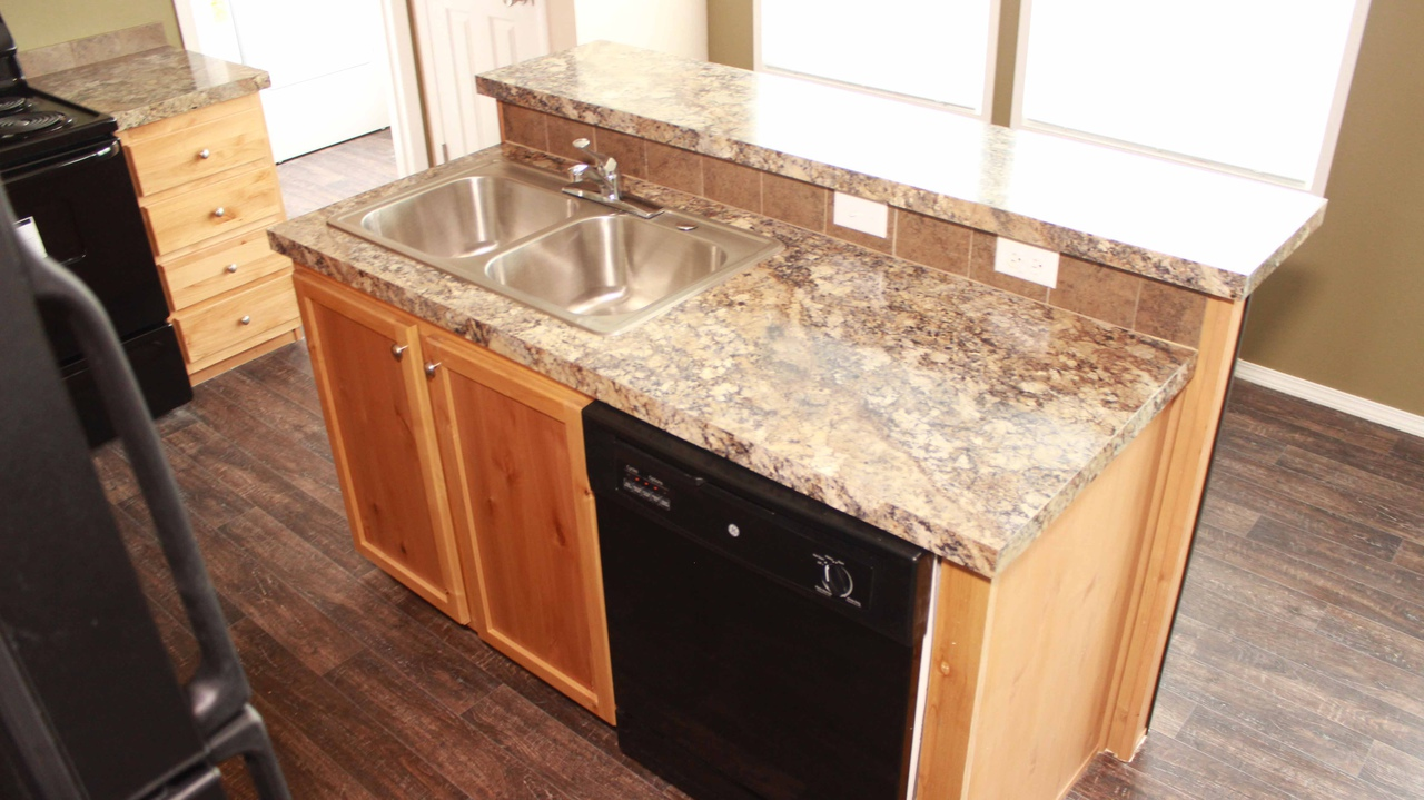 Move In Ready Home In Pine Trace Community, Houston, TX   Large Kitchen  Island With Raised Bar