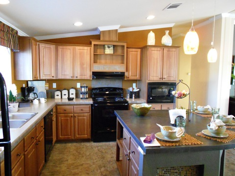 Kitchen - The Grande Isle VRT364L4 by Palm Harbor Homes