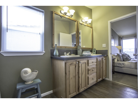 Alternative master bath  - The Sunset Bay by Palm Harbor Homes
