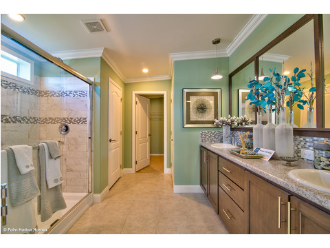 Master bath - The Riviera II, 3 Bedroom, 2 Bath, 2,040 Sq. Ft. manufactured home by Palm Harbor in Plant City