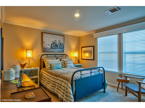 Second bedroom - The Riviera II, 3 Bedroom, 2 Bath, 2,040 Sq. Ft. manufactured home by Palm Harbor in Plant City