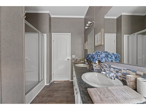 Cypress III master bathroom by Palm Harbor Homes - 4 Bedrooms, 2 Baths, 1,920 Sq. Ft.
