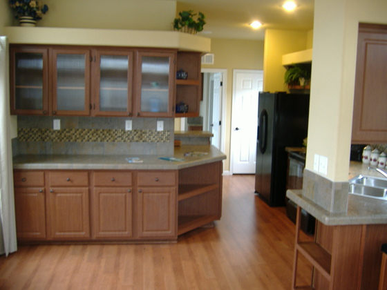 The Paradise - kitchen with built-in buffet