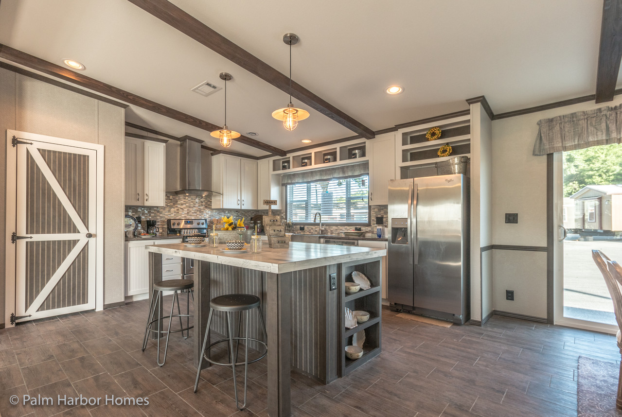 view the carrington 74 floor plan for a 2220 sq ft palm harbor