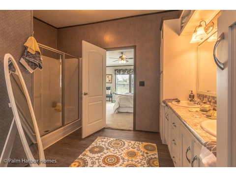 Shower in Master bath in the Carrington 74 ML30744C - 2,220 square feet - 4 bedroom 2 bath - 2 living areas - 1 dining area - double wide manufactured home by Palm Harbor Homes - ask about our modular homes, too.