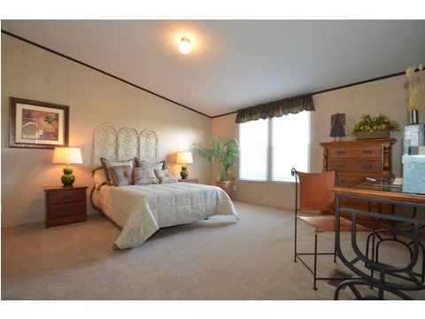 Huge master bedroom - the Momentum II MMT348B1 by Palm Harbor Homes