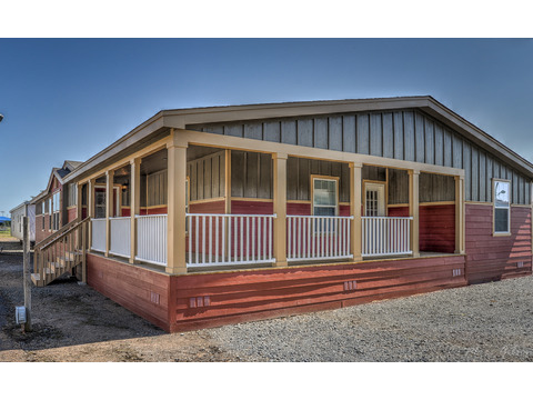 Another color option on The Evolution SCWD76X3 manufactured home by Palm Harbor Homes