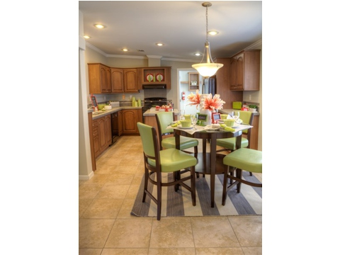 The Ventura' large, eat-in kitchen is handy for cooking and for clean up no matter how many guests or family you are feeding.  High ceilings keep the room open and spacious.