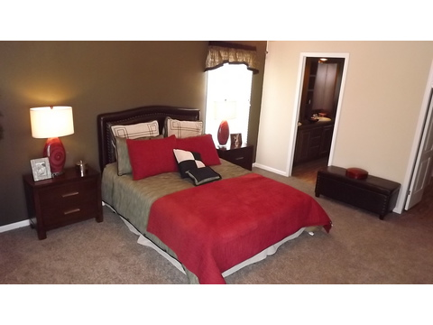 Master bedroom - The Pecan Valley III - Extra Wide KHV368H1 by Palm Harbor Homes