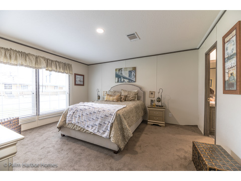 Large Master Suite.  Velocity by Palm Harbor Homes - 4 Bedrooms, 2 Baths, 1860 Sq. Ft.