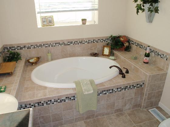 Hacienda Tiled Tub!
