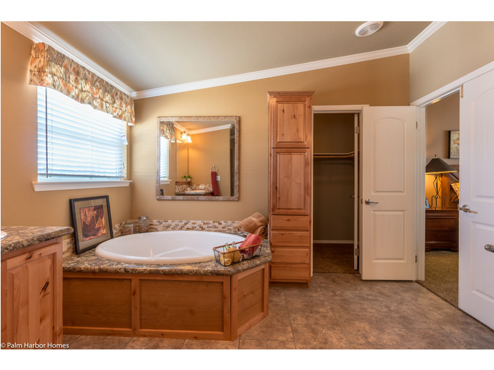 Master Bathroom With Abundant Storage And Walk In Closet   The Bonanza Flex  By Palm
