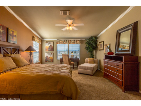 Master bedroom - The Bonanza Flex Palm Harbor Homes