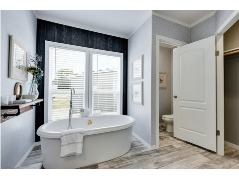 Master Bathroom - The Horizon 48 Limited Edition - 3 Bedroom, 2 Bath - 1440 sq. ft.