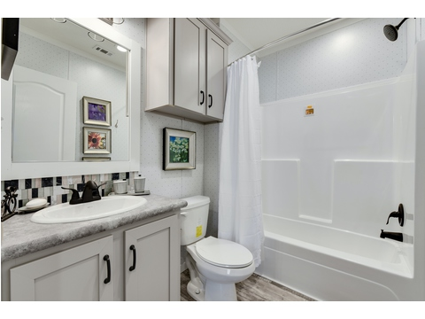 Additional Bathroom - The Horizon 48 Limited Edition - 3 Bedroom, 2 Bath - 1440 sq. ft.