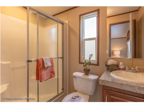 Master Bath - Model 16563V, 3 Bedrooms, 2 Baths, 868 Sq. Ft.
