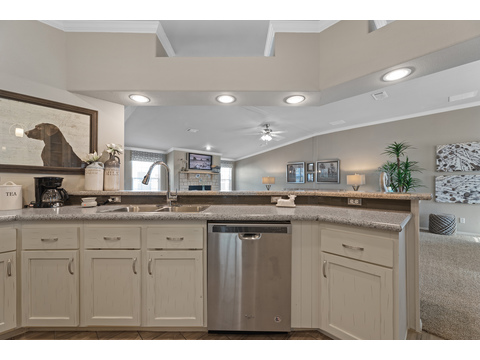 Hacienda III Large Kitchen Bar by Palm Harbor Homes - 4 Bedrooms, 3.5 Baths, 3,012 Sq. Ft.