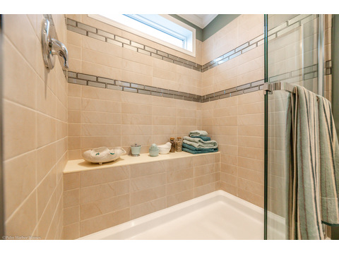 Master bath - The Kennedy HST3606V by Palm Harbor Homes