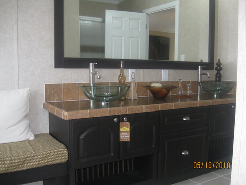 Master bath - Sequoia T4766T by Palm Harbor Homes