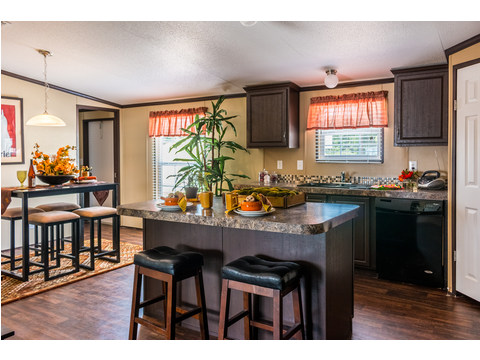 Nice and spacious country kitchen! - Model 32523P Manufactured Home available from Palm Harbor Homes at www.palmharbor.com