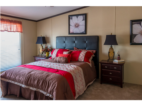 Very large, spacious master bedroom in in our Model 32523P manufactured home with 3 Bedrooms, 2 Baths, 1560 Sq. Ft.