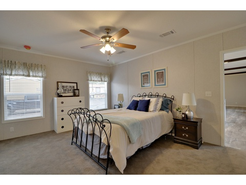 Master bedroom - Encore SM18763E by Palm Harbor Homes