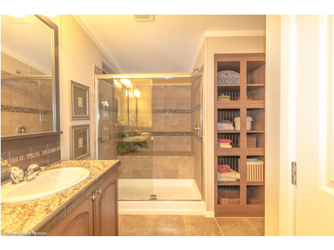 Truly beautiful master bath in The Pelican Bay - Palm Harbor Manufactured Home in Florida - 3 Bedrooms, 2 Baths, 2,022 Sq. Ft. - 30' x 68'