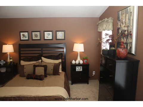 Master bedroom - The Frontier 4P4S100, Palm Harbor Homes