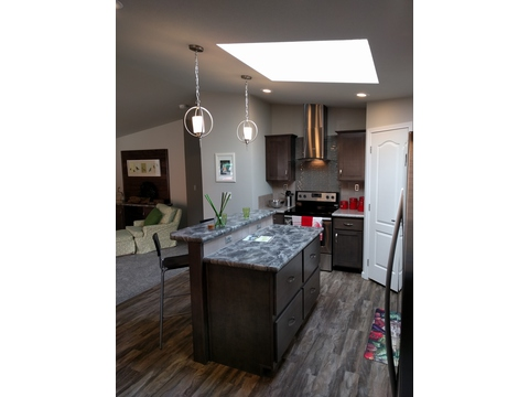 Kitchen - The Frontier 4P4S100, Palm Harbor Homes