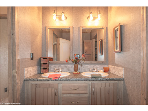 Bathroom 2 - The Homerun ML30724R by Palm Harbor Homes