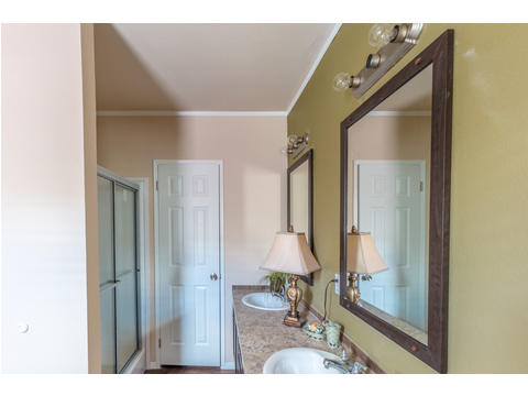 Walk-in shower in the Master Bathroom in The Woodland II by Palm Harbor Homes - 3 Bedrooms, 2 Baths, 1,116 Sq. Ft.